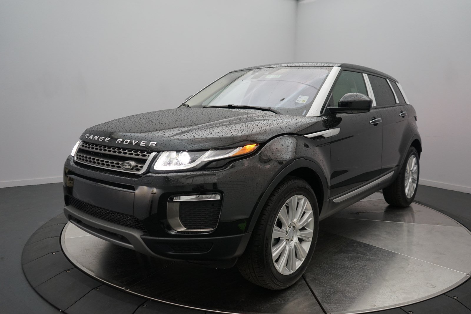 new 2017 land rover range rover evoque hse 4 door suv in shreveport 50119 land rover of. Black Bedroom Furniture Sets. Home Design Ideas